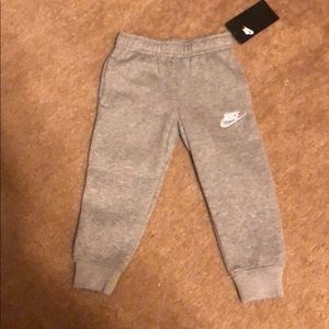 Nike boys pants, size 3t